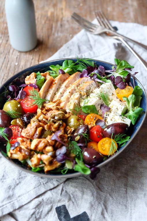 greek-salad-with-walnuts